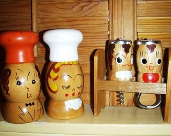 vintage household kitsch ... WOODEN salt n pepper and BAR SET SnP ...