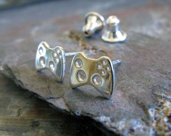 Video game controller sterling silver stud earrings. Xbox minimalist gamer posts 14K gold filled or 14 solid gold available. Geek gift