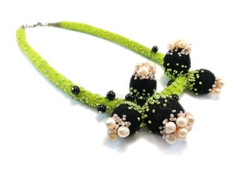 In Bloom Necklace, Pearls Necklace, Felted Wool Necklace, Felt Jewelry, Statement Felted Necklace, Spring Flowers