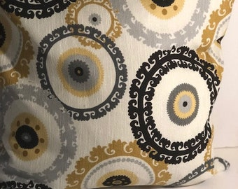 Handmade Ornate Circle Pillow Cover