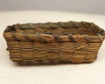 Vintage Northeast Native America Basket - Sweetgrass Basket - Native American Basket - Indian Basket - Miniature Native American Basket