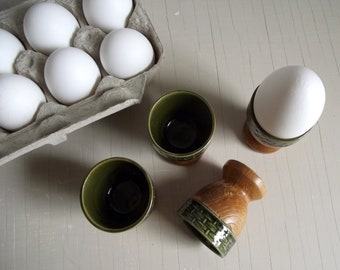 Ceramic & Wood Egg Cups , Set of 4 Mid Century Egg Cups , Green Ceramic Basket Weave Tops and Turned Wood Bases , Retro Kitchen