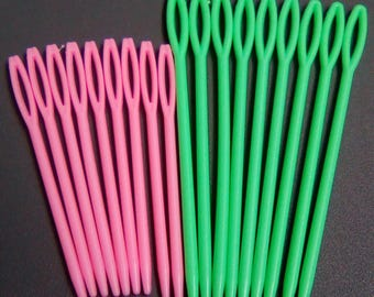 18 plastic pink green 92 and 70mm knitting needles