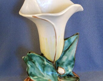 SALE Vintage McCoy White Single Lily Vase // Collectible // Home Decor // Elegant Vessel // Striking Flower // WAS 24.00