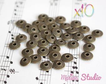 10 bronze 8x8mm N23913 engraved saucer beads