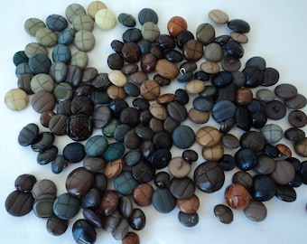 French vintage assorted aran buttons - over 160 buttons (04642)