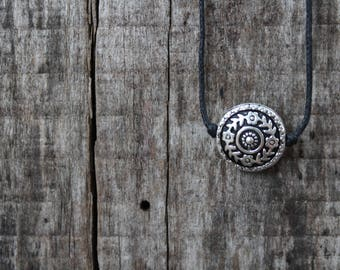 "Women's Choker Necklace - Boho Flower Design - 16"" Adjustable"