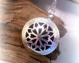 Aromatherapy Locket Necklace,Essential Oil Diffuser Necklace,Homeopathic Jewelry,Fragrance,Young Living Oil,Doterra Oil,Mothers day gift
