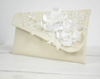 Ivory bridal purse | Ivory flower wedding clutch