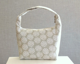 Lunch Bag Insulated, Women Lunch Bag, Work Lunch Bag, Office Lunch Bag, Fabric Bento Bag, Fabric Lunch Bag, Queen Anne's Lace on Light Gray