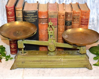 Antique Green 2 Kg Scale Balance Cast Iron with Brass Pans