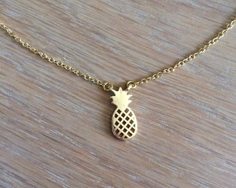 Very pineapple necklace