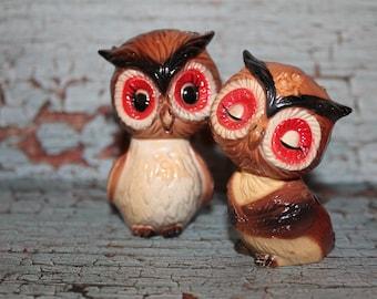 Vintage Hard plastic owl couple mid century salt & pepper shakers