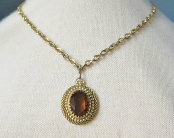 Pendant Necklace / Vtg 60s / Amber Colored Glass Stone Pendant Necklace in Fancy setting / Gold Tone Chain and Setting