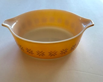 Gold Pyrex Casserole Dish / Vintage Pyrex Town and Country Pattern, Baking, Small 1 Pint
