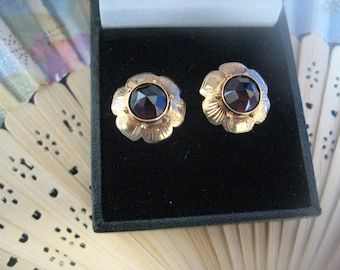 Gold earrings 14k Garnet stones, earrings