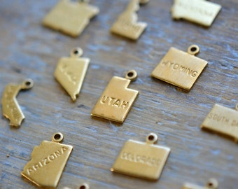 State Map Charms Raw Brass Map United States 50 State Shape Gold America Pendant Charm Maps Jewelry Making Supplies (AU149-AU150)