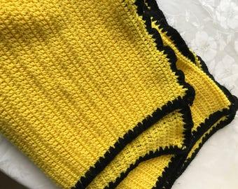 80s Yellow Throw