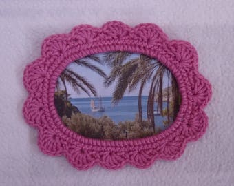 Round crochet oval picture frame