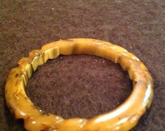 Vintage yellow/brown carved Bakelite bangle Bakelite bracelet