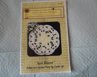 Cath's Pennies Designs wool penny rug and candle mat pattern APPLE BLOSSOMS - felted wool applique  15 inches round