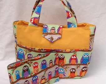 Owl fabric knitting bag with pockets and zippered pouch
