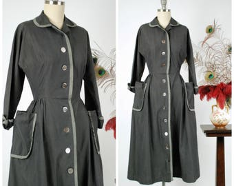 Vintage 1950s Dress - Bold Fit n Flare Steel Grey 50s Cotton Day Dress with Huge Pockets and Gathered Back