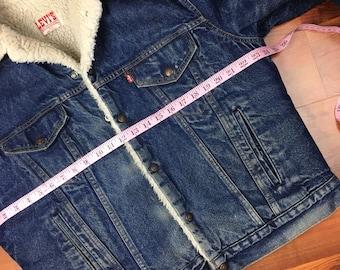 Vintage Levis sherpa denim trucker jacket size large