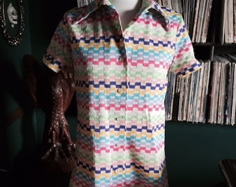 Vintage rainbow colored polyester button up top/shirt/blouse/60s/70s/Medium/large
