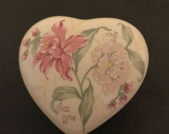 A Vintage Collectible Ceramic Heart Trinket Box From Otagiri.
