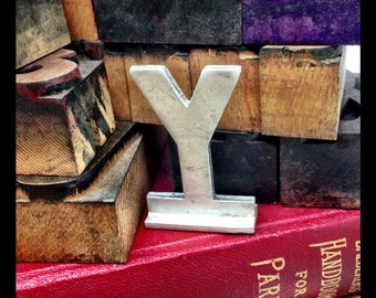 Vintage small aluminum letter Y  – salvaged aluminum address letter – old metal letter – house letter – sign letter – silver metal letter