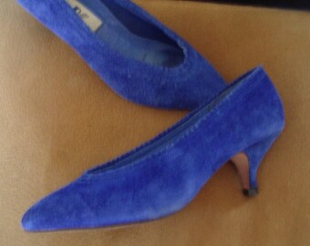 """Royal Blue Suede """"Louis"""" Mid-Heel Pumps Like- New  Size 7B  Item #54  Shoes"""