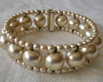 Pearl Expansion Bracelet- Faux 1960's