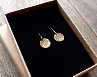 Tiny sunshine drops, 14k gold filled disc earrings, hammered gold disc dangle earrings, simple minimalist everyday earrings, round earrings