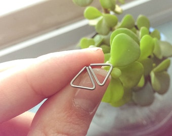 Nickel free Triangle studs | choose your style | nonallergenic earrings | Niobium studs | titanium posts | hammered triangles