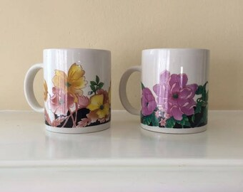 Pair of Vintage Floral Coffee Mugs / gift for her, colorful drinkware, tea, flowers, ceramic cups,