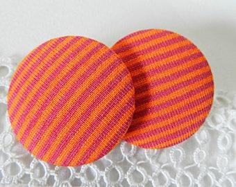 Fabric button striped fuchsia and orange, 32 mm / 1.25 in
