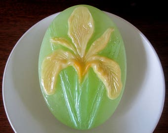 Soap. Dutch Iris with fragrance of Gardenia. Spring/Summer florals. Mother's Day.