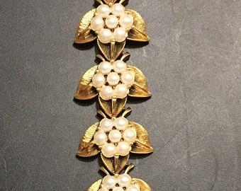 Vintage Faux Pearl Goldtone Bracelet