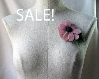 Brooch - Recycled Wool Sweater - Pink Flower - by FeltSassy