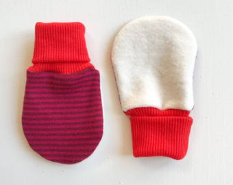 magic baby mitts | cherryberry stripe