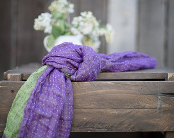 Linen scarf, two colors, one side green other side purple