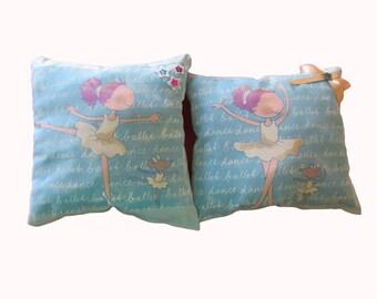 """""""Dancers stars"""" pillow for little girl's room"""