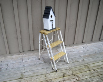 Vintage Metal Step Ladder, Mid Century Metal Step Stool, Yellow Folding Ladder, 1950s Industrial Rustic Farmhouse Shabby Cottage Chic Decor