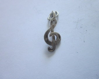 Vintage Sterling Silver Treble Clef Musical Note Charm Bracelet Charm Very nice