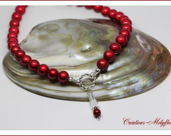 Necklace bright red beads