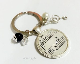 Music sheet keychain, melody necklace, treble clef, musician gift, birthday