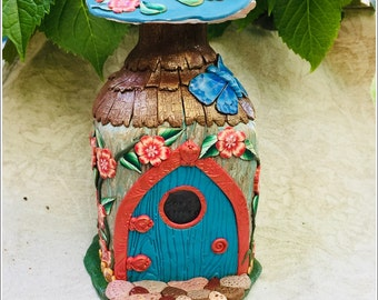 Fairy House Thatched Roof Mushroom HDD00671