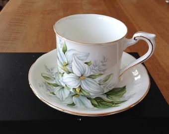 Paragon coffee cup Trillium model