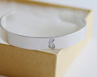 Expecting Mom Gift, Cuff Bracelet Personalized Due Date Month, Due Date For Mom, Mom to Be, Bracelet Handstamped, Expecting in 2018 Gift